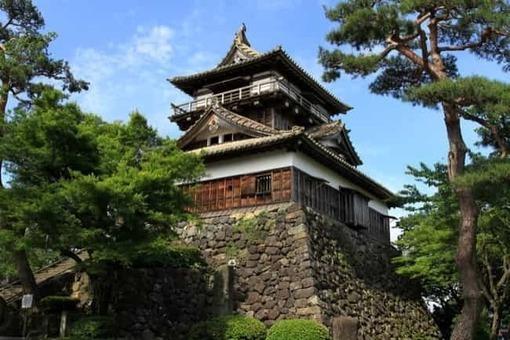 Maruoka castle 20100529 01 1528096408
