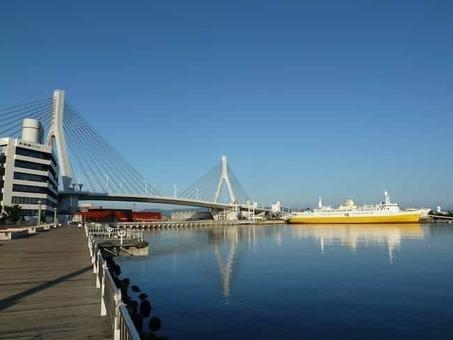 Aomoribay bridge 1528096690