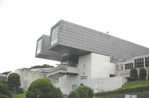 Kitakyushu municipal museum of art 20090728 1528088879