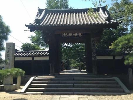 Sammon gate of bairinji temple in kurume 2c fukuoka 1528098150