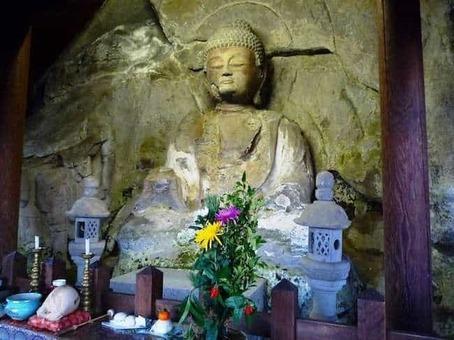 Oita motomachi stone buddhas 1528089068